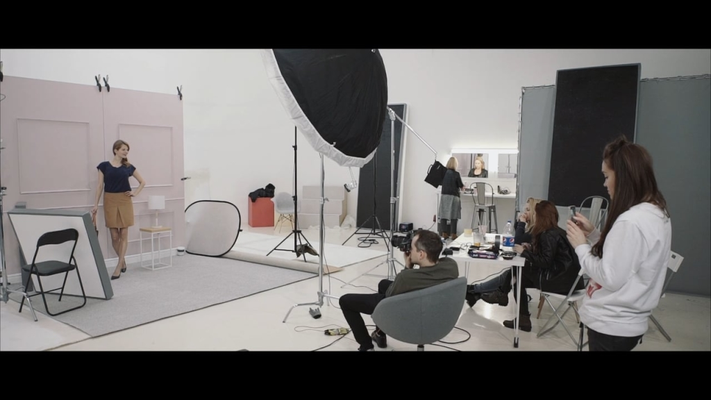 T&R Spring Collection 2 - Backstage